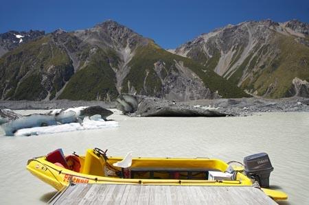 alp;alpine;alps;Aoraki-Mt-Cook-National-Park;Aoraki-Mt-Cook-National-Park;boat;boats;Botanical-Spur;Burnett-Mountains;Canterbury;glacial;glacial-lake;glacier;Glacier-Explorers;glacier-ice;glaciers;ice;iceberg;icebergs;icy;Mackenzie-Country;Mackenzie-District;moraine;Mt-Cook-National-Park;mt.;N.Z.;New-Zealand;NZ;plastic-boat;plastic-boats;S.I;SI;South-Canterbury;South-Is;South-Island;southern-alps;Tasman-Glacier-Lake;Tasman-Lake;Tasman-Valley;terminal-moraine