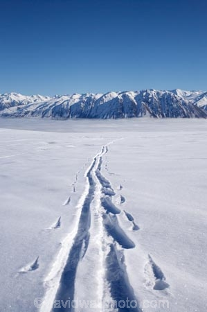 alp;alpine;alpine-resort;alpine-resorts;alpne;alps;altitude;Canterbury;cloud;clouds;cloudy;cold;fog;foggy;fogs;freeze;freezing;Hall-Range;high-altitude;Mackenzie-Country;mist;mists;misty;mount;mountain;mountain-peak;mountainous;mountains;mountainside;mt;mt.;N.Z.;New-Zealand;NZ;peak;peaks;range;ranges;Round-Hill-Ski-Area;Round-Hill-Ski-Field;Roundhill-Ski-Area;Roundhill-Ski-Field;S.I.;season;seasonal;seasons;SI;ski;ski-field;ski-fields;ski-resort;ski-resorts;ski-track;ski-tracks;skifield;skifields;skiing;slope;slopes;snow;snow-capped;snow_capped;snowcapped;snowy;South-Canterbury;South-Is;South-Island;southern-alps;summit;summits;Tekapo-Ski-Area;Tekapo-Ski-Field;track;tracks;trail;trails;Two-Thumb-Range;white;winter;winter-resort;winter-resorts;winter-sport;winter-sports;wintery
