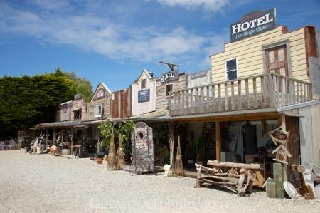 boutique;boutiques;commerce;commercial;N.Z.;New-Zealand;North-Otago;NZ;Oamaru;old-fashioned;retail;retail-store;retailer;retailers;Riverstone-Shop;S.I.;shop;shopping;shops;SI;South-Is.;South-Island;steet-scene;store;stores;street-scene;street-scenes;Victoria;Waitaki-District;Waitaki-Region