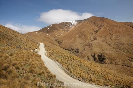 back-country;backcountry;Central-Otago;countryside;Dansey-Pass;Danseys-Pass;Danseys-Pass;Danseys-Pass-Road;gravel-road;gravel-roads;high-altitude;high-country;highcountry;highlands;Maniototo;metal-road;metal-roads;metalled-road;metalled-roads;N.Z.;New-Zealand;North-Otago;NZ;Otago;remote;remoteness;road;roads;rural;S.I.;SI;South-Is.;South-Island;tussock;tussockland;tussocklands;tussocks;uiplands;upland;uplands;Waitaki-District;Waitaki-region