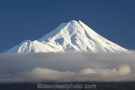 cloud;clouds;cloudy;Egmont-N.P.;Egmont-National-Park;Egmont-NP;fog;foggy;fogs;mist;mists;misty;Mount-Egmont;Mount-Taranaki;Mount-Taranaki-Egmont;Mountain;mountainous;mountains;mt;Mt-Egmont;Mt-Taranaki;Mt-Taranaki-Egmont;mt.;Mt.-Egmont;Mt.-Taranaki;Mt.-Taranaki-Egmont;N.I.;N.Z.;New-Zealand;NI;North-Is;North-Is.;North-Island;NZ;season;seasonal;seasons;snow;Taranaki;volcanic;volcano;volcanoes;winter