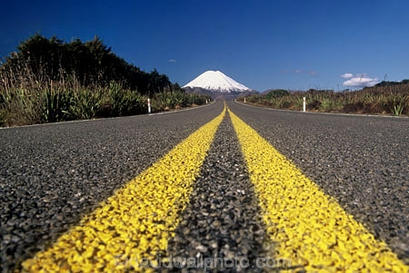 centre-line;color;colors;colour;colours;drive;driving;emblem;icon;icons;Kiwi-icon;Kiwi-icons;kiwiana;leading;logo;new-zealand;no-passing;pointing;road;roads;seal;snow;symbol;symbols;traffic;transport;travel;volcanic;volcano;winter;yellow