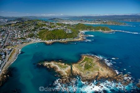 aerial;aerial-image;aerial-images;aerial-photo;aerial-photograph;aerial-photographs;aerial-photography;aerial-photos;aerial-view;aerial-views;aerials;bay;bays;coast;coastal;coastline;coastlines;coasts;Cook-Strait;island;Island-Bay;Island-Bay-suburb;islands;N.I.;N.Z.;New-Zealand;NI;North-Is;North-Island;NZ;sea;seas;shore;shoreline;shorelines;shores;Tapu-Te-Ranga-Is;Tapu-Te-Ranga-Island;The-Esplanade;water;Wellington