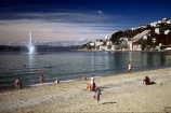 beaches;sand;gravel;water;sea;ocean;harbor;harbors;harbours;harbour;fountain;fountains;swim;swimming;swimmer;swimmers;sunbathe;sun-bathe;summer;play