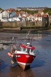 boat;boat-harbor;boat-harbors;boat-harbour;boat-harbours;boats;Britain;British-Isles;commercial-fishing-boat;commercial-fishing-boats;England;English;Europe;fishing-boat;fishing-boats;fishing-harbor;fishing-harbors;fishing-harbour;fishing-harbours;fishing-port;fishing-ports;fishing-village;fishing-villages;G.B.;GB;Great-Britain;harbor;harbors;harbour;harbours;historic-fishing-village;historic-fishing-villages;historic-village;historic-villages;low-tide;low-tides;N.E.-England;NE-England;North-East-England;North-Yorkshire;red-boat;red-boats;Staithes;tidal;tide;tides;U.K.;UK;United-Kingdom;Yorkshire