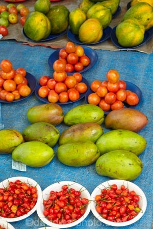 chile;chiles;colorful;colourful;commerce;commercial;Fij;Fiji-Islands;food;food-market;food-markets;food-stall;food-stalls;fruit;fruit-and-vegetables;fruit-market;fruit-markets;island;islands;mango;mangoes;market;market-place;market_place;marketplace;markets;Nadi;Nadi-Market;Nadi-Markets;Nadi-Produce-Market;Nadi-Produce-Markets;Pacific;produce;produce-market;produce-markets;product;products;retail;retailer;retailers;shop;shopping;shops;South-Pacific;stall;stalls;steet-scene;street-scenes;tomato;tomatoes;Viti-levu