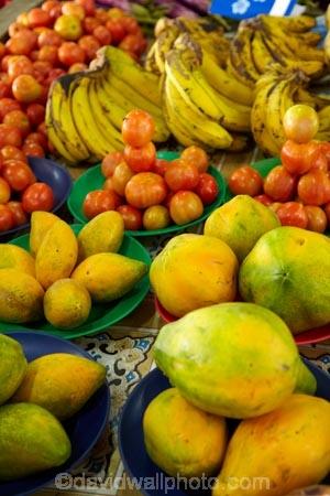 banana;bananas;colorful;colourful;commerce;commercial;Coral-Coast;Fij;Fiji;Fiji-Islands;food;food-market;food-markets;food-stall;food-stalls;fruit;fruit-and-vegetables;fruit-market;fruit-markets;market;market-place;market_place;marketplace;markets;Pacific;papaya;papayas;pawpaw;pawpaws;produce;produce-market;produce-markets;product;products;red;retail;retailer;retailers;shop;shopping;shops;Sigatoka;Sigatoka-Market;Sigatoka-Markets;Sigatoka-Produce-Market;Sigatoka-Produce-Markets;South-Pacific;stall;stalls;steet-scene;street-scenes;tomato;tomatoes;Viti-Levu;yellow