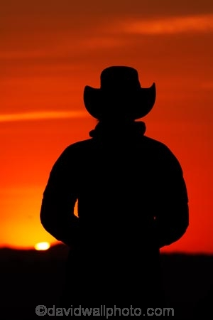 acubra;acubras;akubra;akubras;America;American-Southwest;Arizona;AZ;break-of-day;Colorado-Plateau;Colorado-Plateau-Province;cowboy-hat;cowboy-hats;dawn;dawning;daybreak;first-light;hat;hats;Monument-Valley;Monument-Valley-Navajo-Tribal-Park;morning;Navajo-Indian-Reservation;Navajo-Nation;Navajo-Nation-Reservation;Navajo-Reservation;Oljato;Oljato-Monument-Valley;Oljato_Monument-Valley;orange;people;person;silhouette;silhouettes;South-west-United-States;South-west-US;South-west-USA;South-western-United-States;South-western-US;South-western-USA;Southwest-United-States;Southwest-US;Southwest-USA;Southwestern-United-States;Southwestern-US;Southwestern-USA;States;sunrise;sunrises;sunup;The-Mittens;the-Southwest;tourism;tourist;tourists;Tsé-Bii-Ndzisgaii;twilight;U.S.A;United-States;United-States-of-America;USA;UT;Utah;valley-of-the-rocks;visitor;visitors